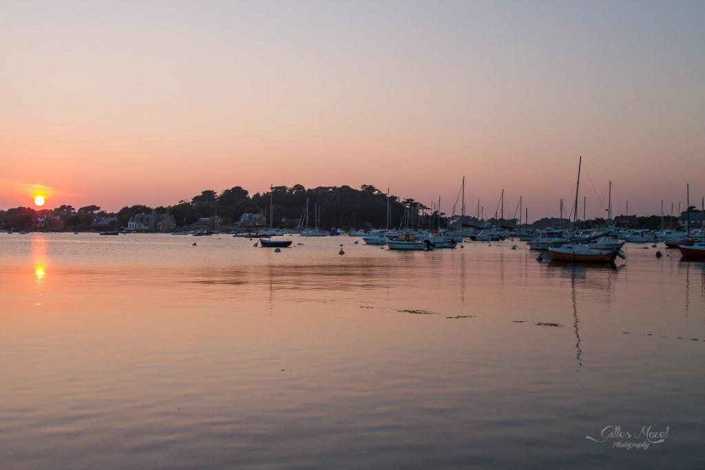Coucher de soleil sur le port de Ploumanach